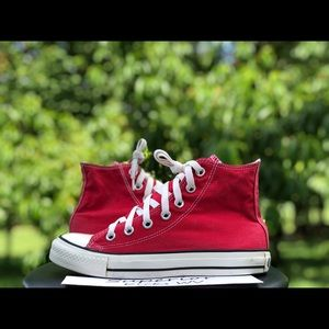 Converse All-Star Chuck Taylor Size 7
